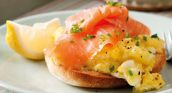 552x300_Toasted_Muffin_Salmon_Eggs